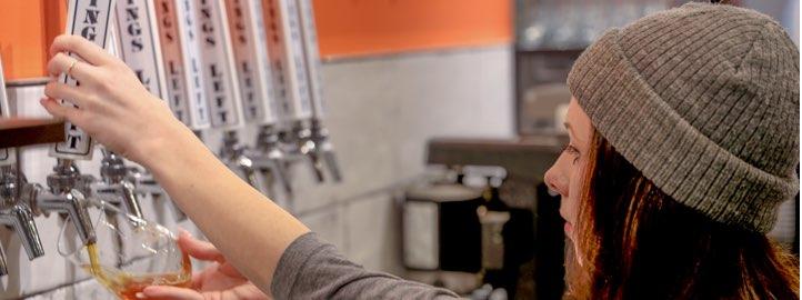 bartender pulling draft